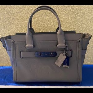 COACH Swagger 27 in Pebbled Leather Heather Grey